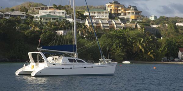 Ultrasonic Antifouling for multi-hulls hull protection