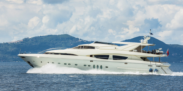 Ultrasonic Antifouling for Superyachts with CleanAHull